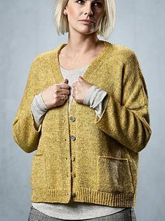 Marigold pattern by Sanne Fjalland Knit-Wear - knitting vest , Marigold pattern by Sanne Fjalland Knit-Wear Ravelry: Marigold pattern by Sanne Fjalland Knit-Wear Stricken Jacken, Mäntel, Westen. Knitting Blogs, Sweater Knitting Patterns, Cardigan Pattern, Knitting For Beginners, Knit Patterns, Jumpsuit Pattern, Sewing Patterns, Knit Crochet, Crochet Pattern