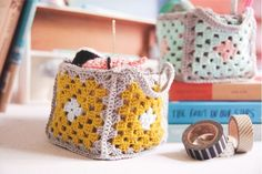 DIY Mini granny square crochet baskets