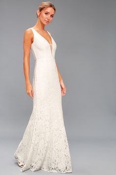 The Everlasting Enchantment Ivory Maxi Dress will have your admirers under your spell! Lacy halter bodice with crisscrossing straps and an elegant maxi skirt. Lulus Wedding Dress, Wedding Dresses Under 100, V Neck Wedding Dress, Wedding Dress Sizes, Wedding Dress Shopping, Simple Elegant Wedding Dress, Stunning Wedding Dresses, Casual Wedding, White Lace Maxi Dress