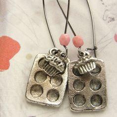 Cupcake Baking Pan Earrings ♥ SO cUte!