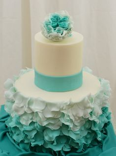 Round Wedding Cakes; ruffles galore!