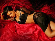 Actress Mugdha Godse Hot Photoshoot Stills, Bollywood Actress Mugdha Godse Pictures, Mugdha Godse Wallpapers 2015, Indian Model and Actress Mugdha Godse latest photos, actress Mugdha Godse new movie spicy stills.