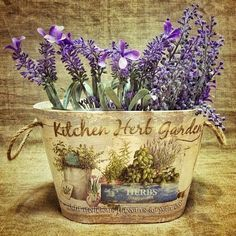 How to make a decoupage box – Easy Tutorial – DIY Decoupage Vintage, Decoupage Paper, Vintage Paper, Vasos Vintage, Herb Garden In Kitchen, Kitchen Herbs, Image Deco, Lavender Cottage, Decoupage Printables