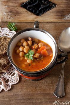 Mézesélet: Csicseriborsó leves