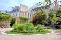 Paris : Le jardin Anne Frank, îlot de verdure méconnu - IIIème http://www.parisladouce.com/2016/08/paris-le-jardin-anne-frank-ilot-de.html