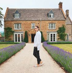 Found: Where It Girls Actually Go on Vacation in England via @MyDomaineAU