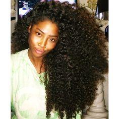 .Big Curly Natural hair!! Beautiful!