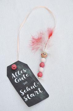 Bücherwurm Lesezeichen aus Perlen basteln * mit Kindern basteln oder zur Einschulung verschenken * Süße Bastelidee zum Schulanfang * Tipps & Ideen *