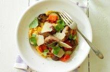 Pasta med salsiccia och rostade grönsaker 20 Min, Thai Red Curry, Squash, Bacon, Pasta, Beef, Chicken, Ethnic Recipes, Food