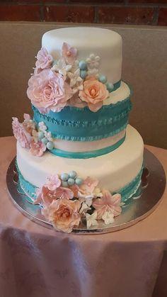pastel con bouquets de flores
