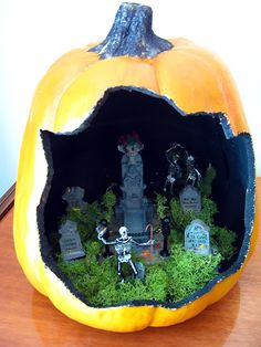 Halloween Craft Pumpkin! - faux pumpkin diorama