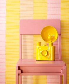 Behang Trends: Mode voor de Muur! - Eijffinger Behang Ibiza in Roze en Geel Kleur - MEER Behang ... (Foto Eijffinger Behang, Perscentrum Wonen  op DroomHome.nl)
