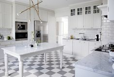 House of Philia Kitchen Furniture, Kitchen Dining, House Of Philia, Kitchen Colors, Interior Design Kitchen, Interior Inspiration, Home Kitchens, New Homes, Flooring