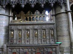 Sepulcro de Eduardo III en la catedral de Westminister (1386) de Jean Orchard. -Escultura Gótica en Inglaterra S.XIV-XV.
