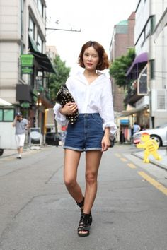 Get schooled on easy, edgy dressing with these snaps from Seoul!