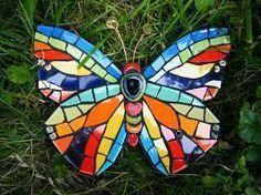mosaic orquideas - Buscar con Google Mosaic Rocks, Mosaic Stepping Stones, Mosaic Glass, Glass Art, Mosaic Birds, Mosaic Wall Art, Mosaic Crafts, Mosaic Projects, Painted Rocks
