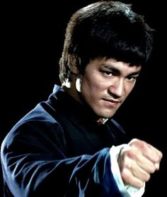 Bruce Lee (November 27 1940 July 20 Exemplo tanto and vida como and mort