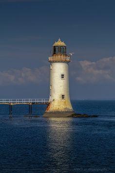 Irish lighthouse by jb-wo