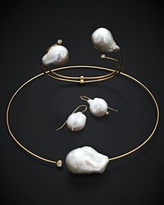 ac057b464845 A pearl necklace is such a classic piece of jewelry that it works for  almost any occasion. Pearls have an effortless elegance about them and can  be dressed ...