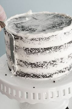 for your fabulous cakes, Lori. . .a tutorial on how to ice a cake properly (like you don't already know)