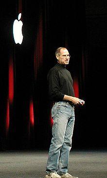 Steve Jobs sur scène à la Macworld Conference & Expo, San Francisco, le 11 janvier 2005