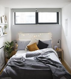 small bedroom design , small bedroom design ideas , minimalist bedroom design for small rooms , how to design a small bedroom Bedroom Decor, Small Room Bedroom, Apartment Decor, Bedroom Interior, Minimalist Bedroom, Small Apartment Bedrooms, Remodel Bedroom, Modern Bedroom, Small Apartments