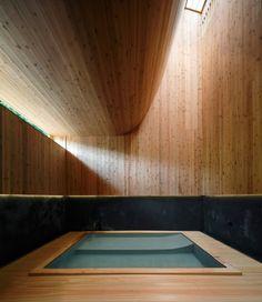 Bath House Maruhon / Kubo Tsushima Architects