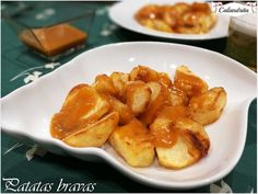Patatas bravas | Cocina Tapas, Snack Recipes, Snacks, French Toast, Chips, Breakfast, Food, Cooking Recipes, Home Kitchens