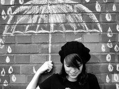 Chalk umbrella and rain photography inspiration. Chalk Photography, Senior Photography, Alice Ruiz, Chalk Photos, Wow Photo, Foto Fun, Photos Originales, Chalk Drawings, Chalkboard Drawings