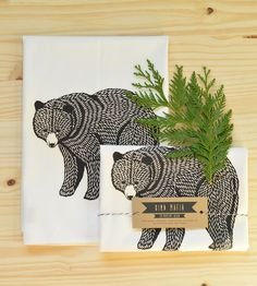 Clean up your kitchen fixin's with this three pack of nature-themed tea towels. They are crafted from cotton flour sacks and screenprinted a bear design. Kitchen Towels, Kitchen Pantry, Kitchen Helper, Kitchen And Bath Remodeling, Towel Crafts, Bear Design, Wraps, Art Party, Tea Towels
