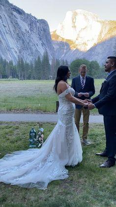 Pre Wedding Photoshoot, Wedding Poses, Yosemite National Park, National Parks, Fall Wedding Bouquets, Wedding Dresses, Yosemite Wedding, Vintage Wedding Photos, Bohemian Bride
