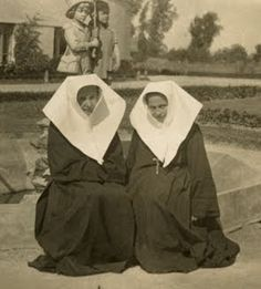 Servants Starowiejska  Congregation of the Sisters Servants of Mary Immaculate   Congragatio Sororum Servularum Beatae Mariae Virginis Immaculatae Conceptae    Date and place of foundation:  1850 years - Poland   1866 - independence of the province Starowiejska Founder: Bl. Edmund Bojanowski