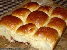 GRUNT TO PRZEPIS!: Maślane bułeczki przytulone z powidłami śliwkowymi Hot Dog Buns, Hot Dogs, Bread, Food, Brot, Essen, Baking, Meals, Breads