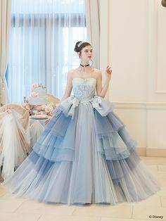 シンデレラ | プリンセスドレス | セカンドコレクション | ディズニー ウエディング ドレス コレクション Robes Disney, Disney Dresses, Plain Wedding Dress, Wedding Dress Styles, Fairytale Dress, Fairy Dress, Ball Gowns Prom, Ball Dresses, Elegant Dresses
