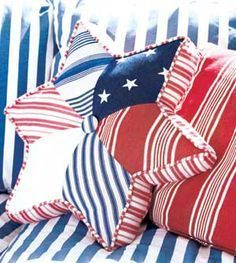 Make Pretty Patchwork Stars for Your Tree - Quilting Digest Patriotic Quilts, Patriotic Crafts, July Crafts, Americana Crafts, Easy Quilts, Mini Quilts, Pillos, Quilt Of Valor, 4th Of July Decorations