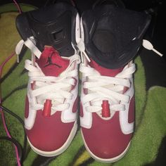 SOLD Soles are yellowing, slight heel drag small scuff on one shoe. Size 7y = womens 9 Jordan Shoes Sneakers