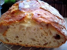 """Anya, ez isteni!..."", avagy Gabojsza konyhája: Dagasztás nélküli kenyér Healthy Homemade Bread, Healthy Recipes, Croissant Bread, Hungarian Recipes, Easy Cooking, Diy Food, Banana Bread, Bread Recipes, Bakery"