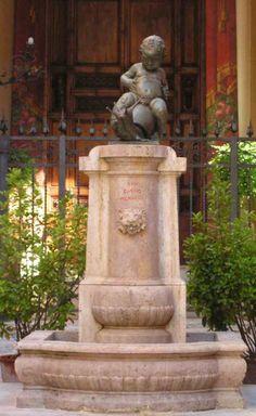 Contrada della Chiocciola (caterpillar) fountain The snail is a mascot for one of the 17 districts of Siena
