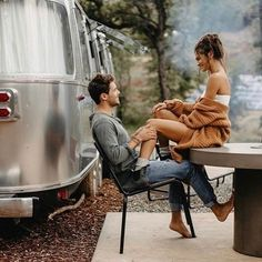 travelandweedingmagazine travel weeding magazine inspiration trip adventure Photo by Cute Couples Photos, Cute Couple Pictures, Cute Couples Goals, Couple Goals, Couple Pics, Love Photos, Romantic Couples Photography, Couple Photography Poses, Romantic Photos