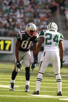 darrelle revis | Darrelle Revis and Randy Moss Photos - New England Patriots v New York ...