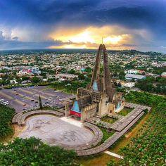 Basílica de Nuestra Señora de la Altagracia, Higüey, Dominicana.