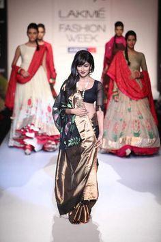 chitrangada singh   lakme fashion week