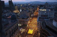 """Manifestació 11s2012: """"Catalunya, nou estat d'Europa"""". Fotografies realitzades pels voluntaris de l'equip gràfic de l'ANC."""