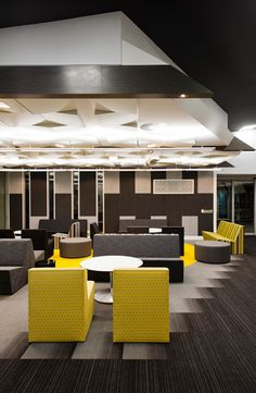 Darren Carnell Architects: La Trobe University - West Lecture Theatre--Defining space with gradient carpet tiles Corporate Interior Design, Corporate Interiors, Commercial Interior Design, Commercial Interiors, Office Interiors, Carpet Design, Floor Design, Design Thinking, Architecture Details