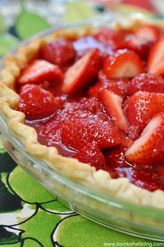 It's strawberry season which is the best time to make this fresh strawberry pie recipe, top it with a little vanilla ice cream, and enjoy! Fruit Recipes, Sweet Recipes, Dessert Recipes, Cooking Recipes, Recipies, Strawberry Desserts, Köstliche Desserts, Strawberry Jam, Strawberry Pie Recipe Without Jello