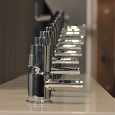 Treemme Waschtischmischer Nano | elf Höhen und fünf Auslauflängen | verschiedene Oberflächen wählbar