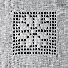 Foto: Hardanger Embroidery, Embroidery Stitches, Embroidery Patterns, Drawn Thread, Thread Work, Embroidery Monogram, Photo Heart, Embroidery For Beginners, Chrochet
