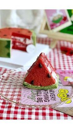 Cake Decorating Frosting, Cake Decorating Designs, Creative Cake Decorating, Cake Decorating Videos, Cake Decorating Techniques, Creative Cakes, Pretty Birthday Cakes, Pretty Cakes, Cupcake Cake Designs