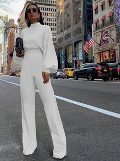 5 White Summer Outfits - RedonWhite  How to style wide leg white trousers and a long sleeve blouse for the perfect summer part outfit. The perfect handbag to go with any white outfit. Which mini handbag to wear with a s=white street style outfit in 2020. Böhmisches Outfit, White Pants Outfit, All White Outfit, Jumpsuit Outfit, Pant Jumpsuit, Summer Jumpsuit, Bodycon Jumpsuit, Daily Outfit, Professional Outfits