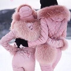 Nordic brand design onesies zipper ski suit - 95 Goose Down – zickera Warm Bodies, Snow Fashion, Winter Fashion, Snowboard Suit, Ski Bunnies, Down Suit, Outfit Invierno, Snow Outfit, Fashion Mode
